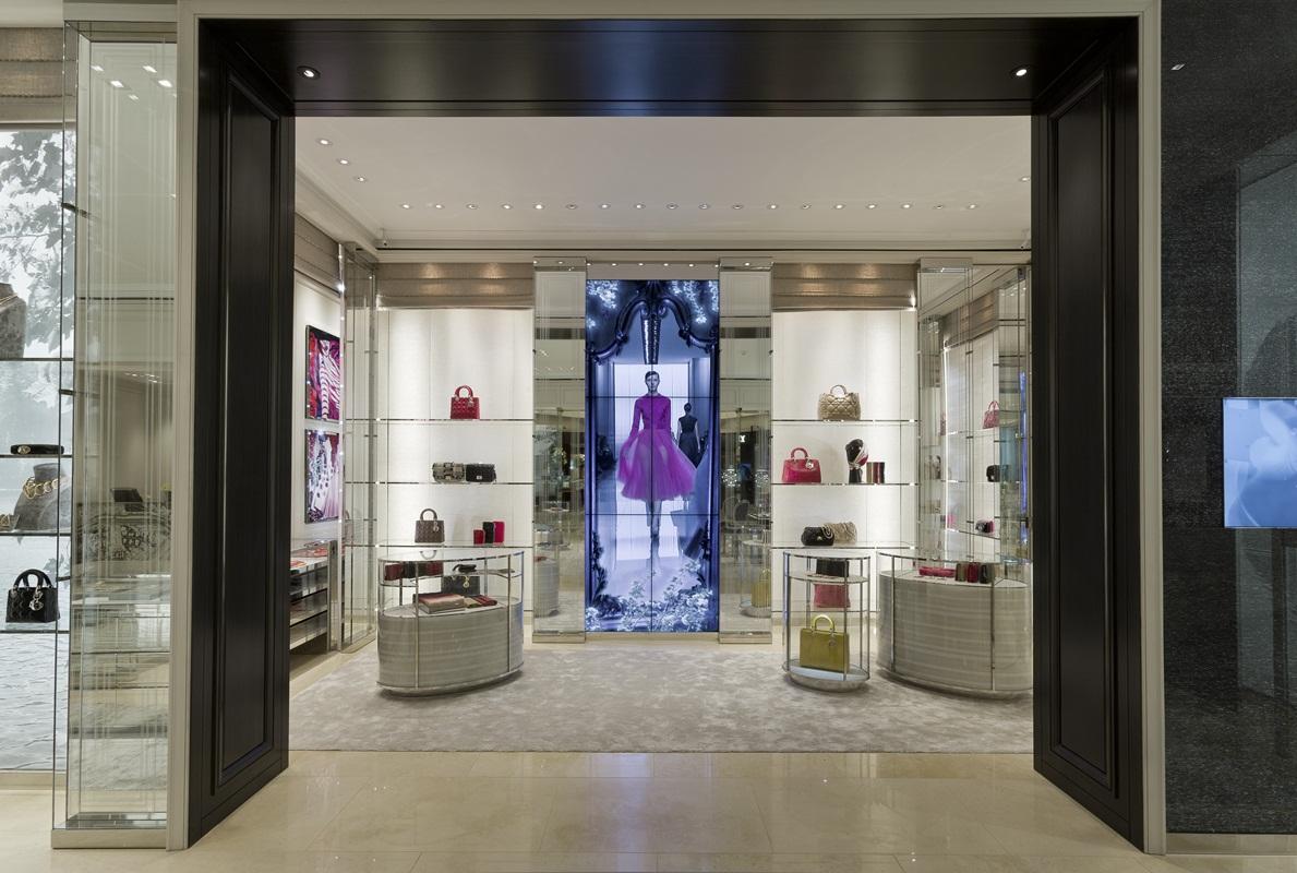 dior inaugura su segunda boutique en el palacio de hierro On santa envidia boutique de diseno